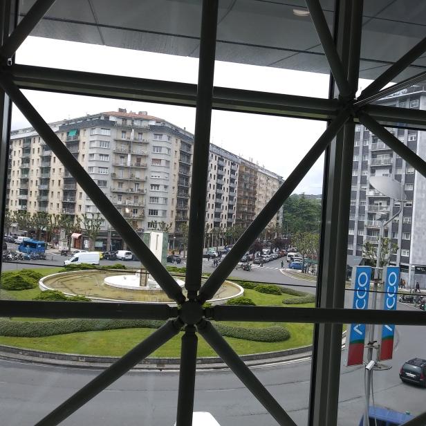 """Vista desde el piso superior del Centro Comercial """"Arcco"""""""