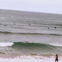 Playa de Zarauz con gran afición al surf